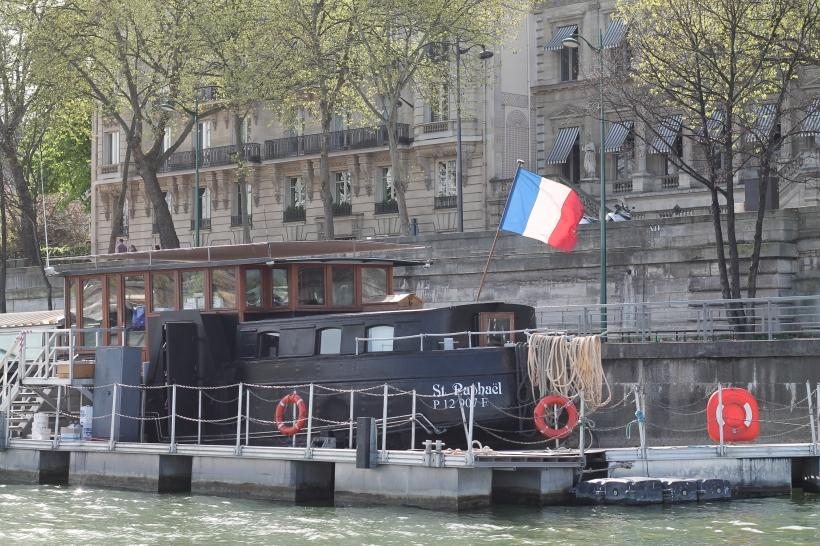 How to Complain Like a Parisian